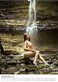 Nude in Nature - Akt und Natur (Wandkalender 2019 DIN A2 hoch) - Produktdetailbild 12