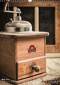 Old coffee grinders (Wall Calendar 2019 DIN A3 Portrait) - Produktdetailbild 5
