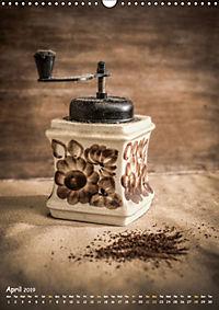 Old coffee grinders (Wall Calendar 2019 DIN A3 Portrait) - Produktdetailbild 4