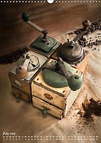 Old coffee grinders (Wall Calendar 2019 DIN A3 Portrait) - Produktdetailbild 7