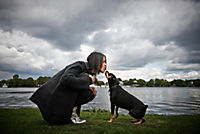 Prominent mit Hund und einer Katze - Produktdetailbild 1