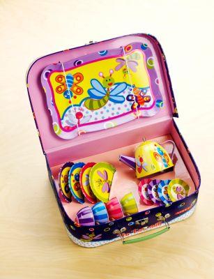 Puppengeschirr im Koffer