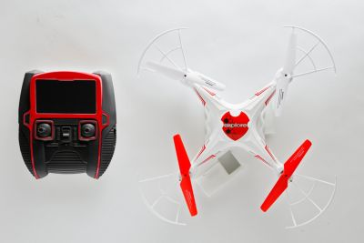 Quadrocopter mit Kamera und Display