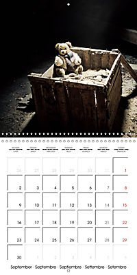 Sammy visits abandoned places (Wall Calendar 2019 300 × 300 mm Square) - Produktdetailbild 9