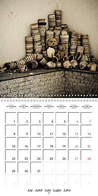 Sammy visits abandoned places (Wall Calendar 2019 300 × 300 mm Square) - Produktdetailbild 7