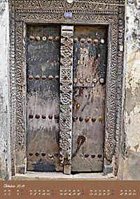 Sansibars Türenkunst (Wandkalender 2019 DIN A2 hoch) - Produktdetailbild 10