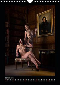 Schlossdamen - Aktbilder in historischen Räumen (Wandkalender 2019 DIN A4 hoch) - Produktdetailbild 1