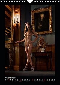 Schlossdamen - Aktbilder in historischen Räumen (Wandkalender 2019 DIN A4 hoch) - Produktdetailbild 11