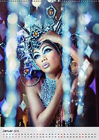 Showgirls - das Leben als Kabarett (Wandkalender 2019 DIN A2 hoch) - Produktdetailbild 1