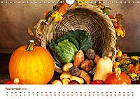 Stillleben. Impressionen besonderer Arrangements (Wandkalender 2019 DIN A4 quer) - Produktdetailbild 11