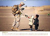Stolz und Gehorsam. Impressionen von Soldaten im täglichen Einsatz (Wandkalender 2019 DIN A3 quer) - Produktdetailbild 1