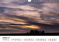 Stonehenge Sunsets & Salisbury Cathedral (Wall Calendar 2019 DIN A4 Landscape) - Produktdetailbild 1