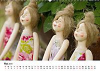 Tausendschön - handgeferigte Tonwesen (Wandkalender 2019 DIN A2 quer) - Produktdetailbild 5