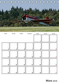 Tollkühne Helden der Lüfte - Modellflugzeuge in Aktion (Tischkalender 2019 DIN A5 hoch) - Produktdetailbild 3