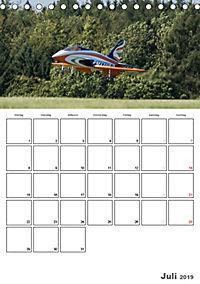 Tollkühne Helden der Lüfte - Modellflugzeuge in Aktion (Tischkalender 2019 DIN A5 hoch) - Produktdetailbild 7