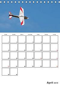 Tollkühne Helden der Lüfte - Modellflugzeuge in Aktion (Tischkalender 2019 DIN A5 hoch) - Produktdetailbild 4