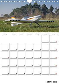 Tollkühne Helden der Lüfte - Modellflugzeuge in Aktion (Wandkalender 2019 DIN A4 hoch) - Produktdetailbild 6