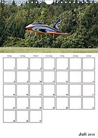 Tollkühne Helden der Lüfte - Modellflugzeuge in Aktion (Wandkalender 2019 DIN A4 hoch) - Produktdetailbild 7