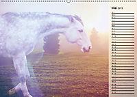 Traumpferde. Lichtvolle Märchenbilder (Wandkalender 2019 DIN A2 quer) - Produktdetailbild 5