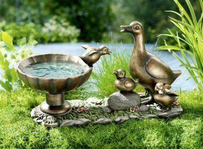 Vogeltränke Entenfamilie