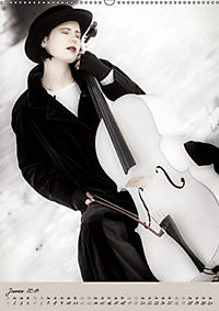 Weisses Cello auf Reisen (Wandkalender 2019 DIN A2 hoch) - Produktdetailbild 1