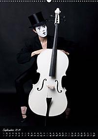Weisses Cello auf Reisen (Wandkalender 2019 DIN A2 hoch) - Produktdetailbild 9