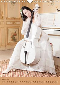 Weißes Cello auf Reisen (Wandkalender 2019 DIN A4 hoch) - Produktdetailbild 3