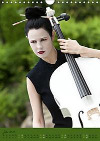 Weißes Cello auf Reisen (Wandkalender 2019 DIN A4 hoch) - Produktdetailbild 7